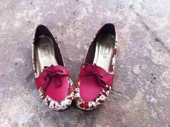 FAV Shoes Batik IDR 150K