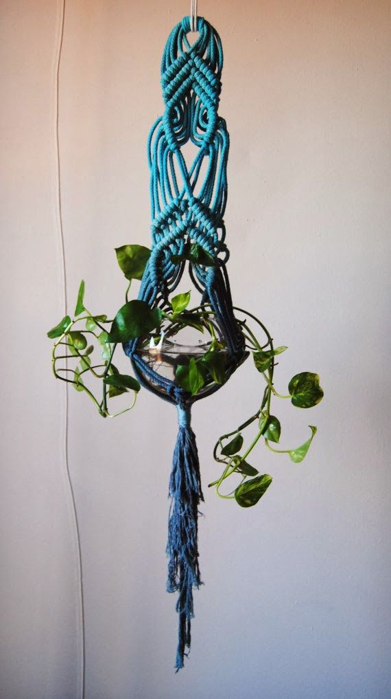This looks like some advanced macrame! Moon to Moon: Etsy Focus... Macrame Wall hangings from Slow Down Productions..