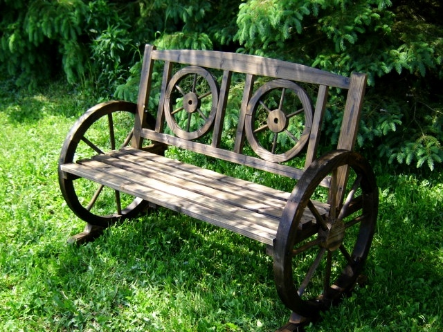Rustic Benches With Steel Wheels : Wagon wheel garden bench the