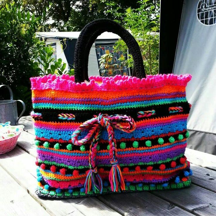 https://www.pinterest.com/annahaakt/crochet-bags/ Link na Crochet Bags on Pinterest