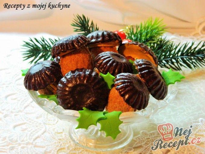 Ořechové hříbky s karamelovou náplní