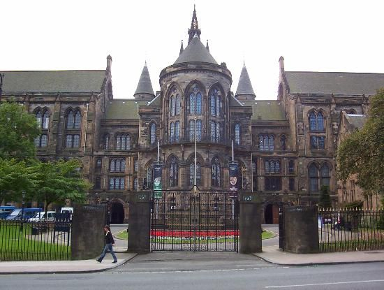 we will live here for the last 2 weeks- University of Glasgow..What an amazing building .