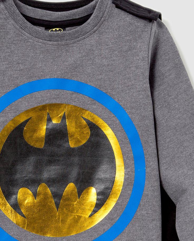 Batman caped tee detail