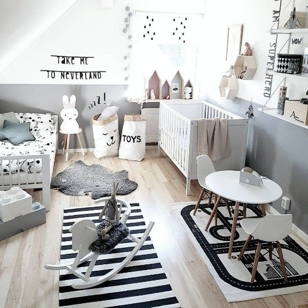 Habitación infantil en blanco y negro original y moderna con muchos detalles - Minimoi (@johannasdagar)