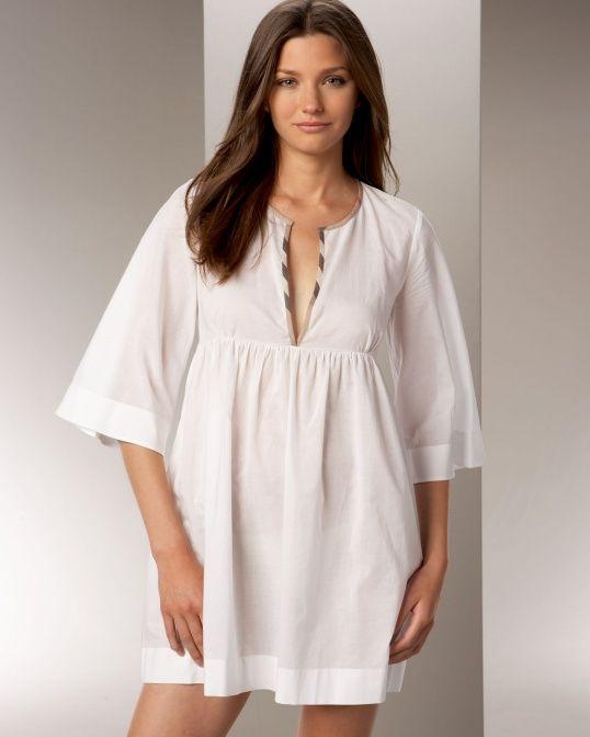 Удобная и красивая ночная сорочка – обязательный предмет гардероба каждой женщины. Сшить ее не так уж и сложно, с этим справится даже начинающая мастерица, достаточно лишь подобрать симпатичную ткань и найти пару часов свободного времени.