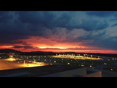 Airport Feelings - Zurich Airport Ein wunderbarer Abend, bei einem Flugbetrieb am Flughafen Zürich - Via Smartphone | A wonderful evening with a flight operation at Zurich Airport - A smartphone movie