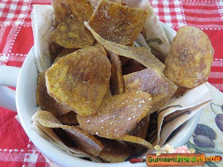 Chips di platano alla paprika  #ricette #food #recipes