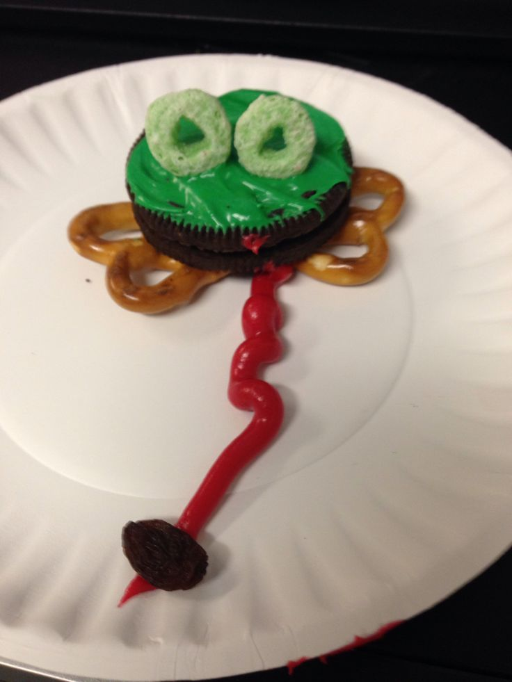Frog snack for pond week. #preschool #snack #speech therapy #frog