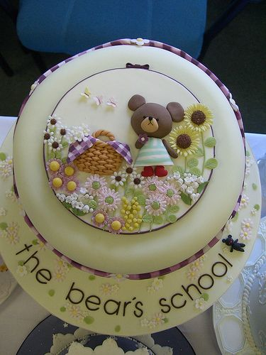 bear cake - looks like an edible card