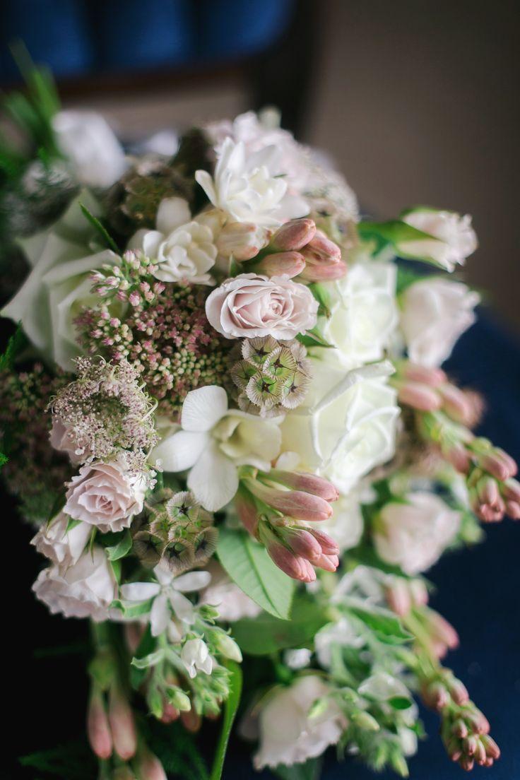 Bride Bouquet. N+B Wedding.