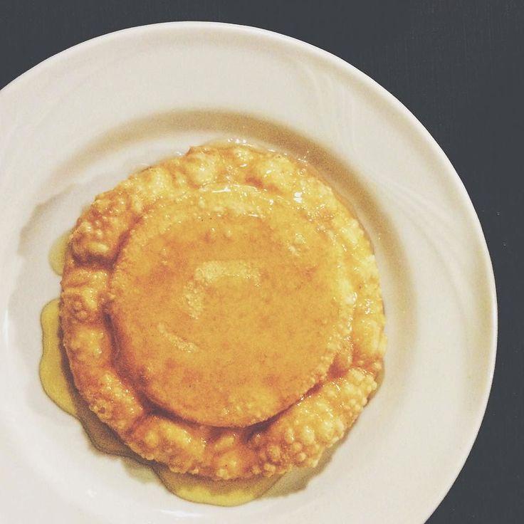 In Sardegna il sole ci piace così tanto che lo mettiamo anche nel piatto. (Seada di formaggio con miele dolce aromatizzato all'arancia. Capolavoro). #sardegna #nuoro #seada #food #onmytable #sweet #pastry #instagood #italianfood #cheesepastry #fried #honey #sardinia #sardinianfood #foodporn #typical #nuoro #yummy #instagood #yesterday