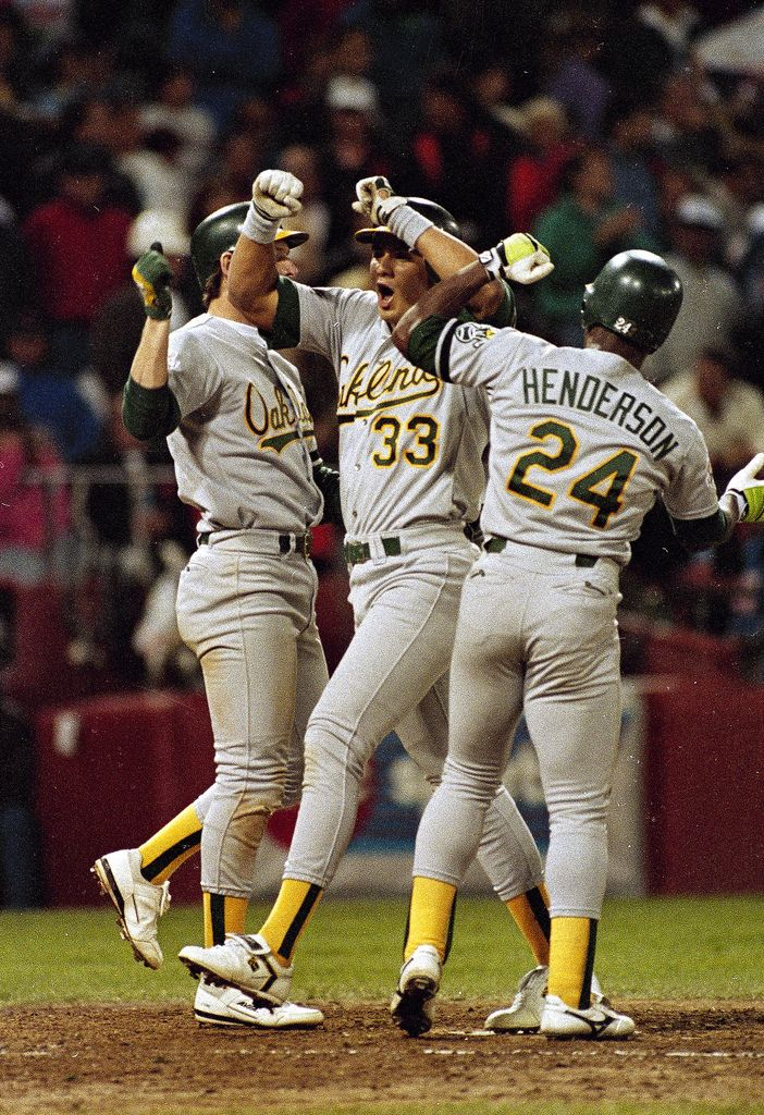 '89 Oakland Athletics...yah, the bash brothers were pumped with steroids. Not Henderson