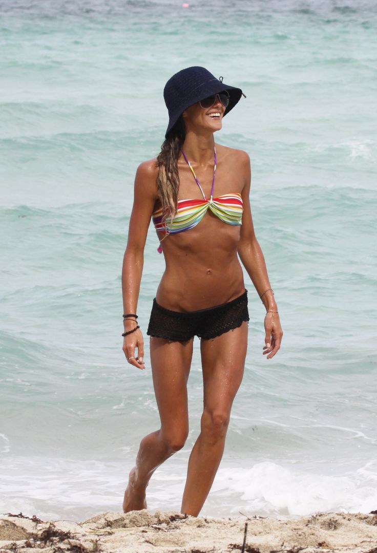 Sharni Vinson enjoyed some fun in the sun on July 10, 2012, in Miami.