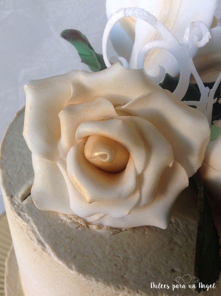 Dulces para un Angel: Tarta mariposas y flores para Nina