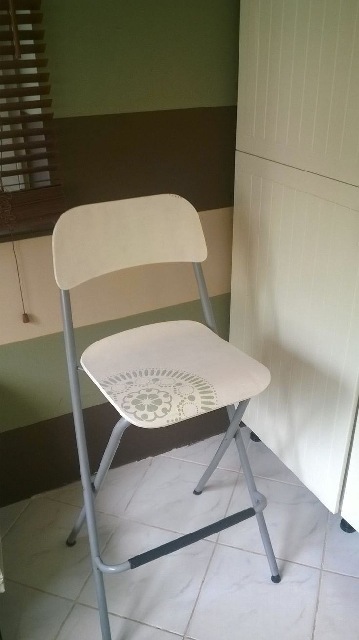 IKEA hack - Franklin the chair diy - white, paint, pentart, stencil