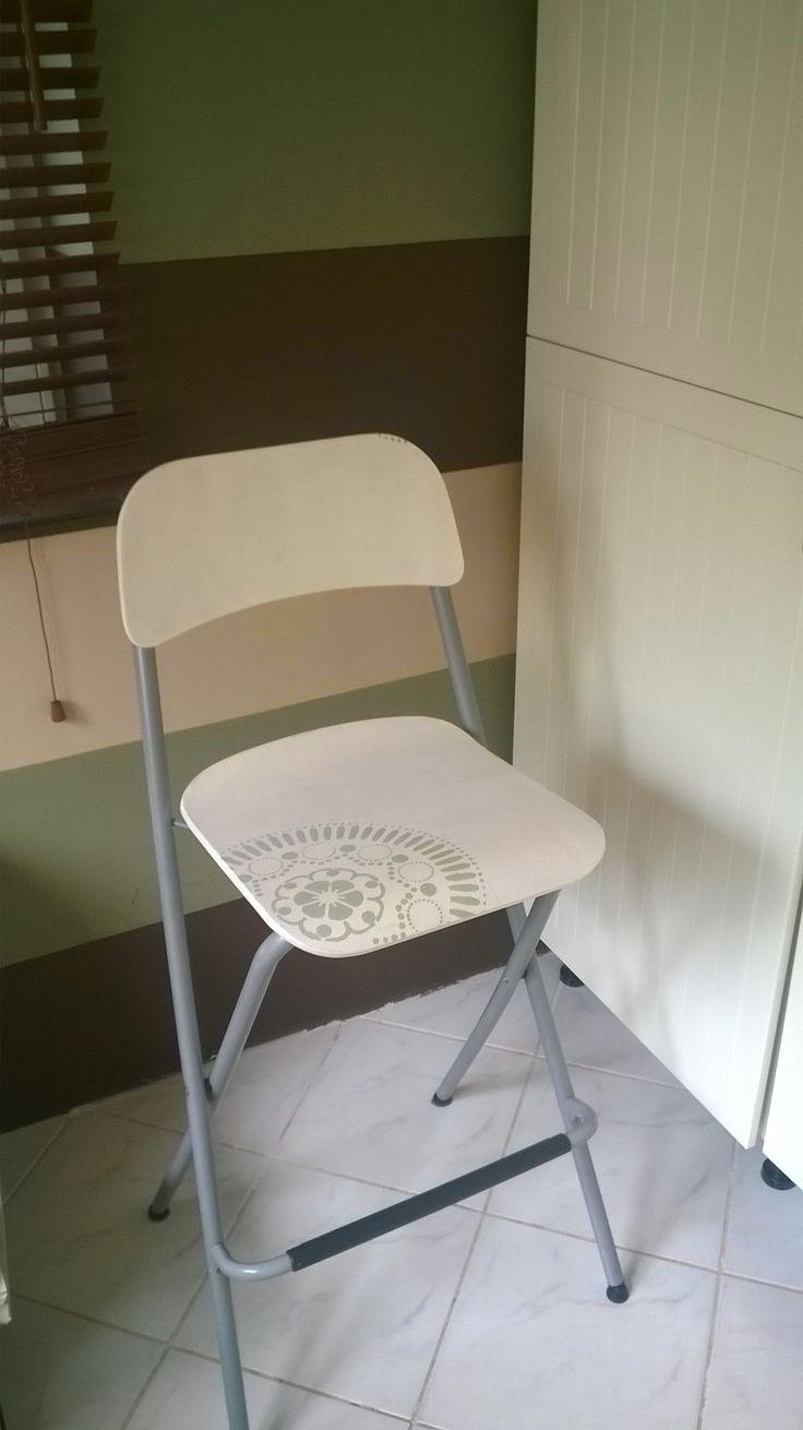 IKEA hack - Franklin the chair diy - white, paint, pentart, stencil