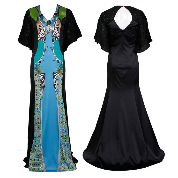 #whoswho #greenbird #marinamall #abudhabi #abudhabifashion #abudhabistyle #dubai #dubaifashion #dubaistyle #fashionista #womenswear #eveningwear #casualwear #gown #pastel #longsleeve #chic #elegant