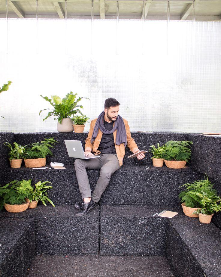 """C R E A T E S P A C E // Un cambio di prospettiva può essere un ispirazione. Diventa più creativo in un ambiente flessibile che può essere organizzato in base ai tuoi bisogni. Questo è il Creative Space """"Forest"""" di MINI Living realizzato da Asif Khan al London Design Festival. • • #YourSideOfTown #MINILiving #LDF16 #thirdplaceliving #ad"""