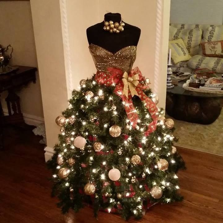 34 best MANIQUIN MADNESS images on Pinterest | Christmas tree ...