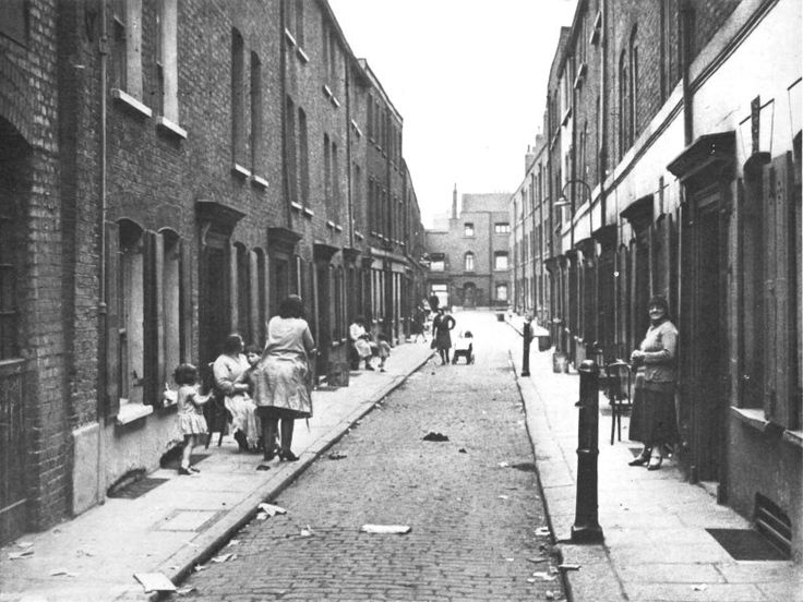London Slum Whitechape...