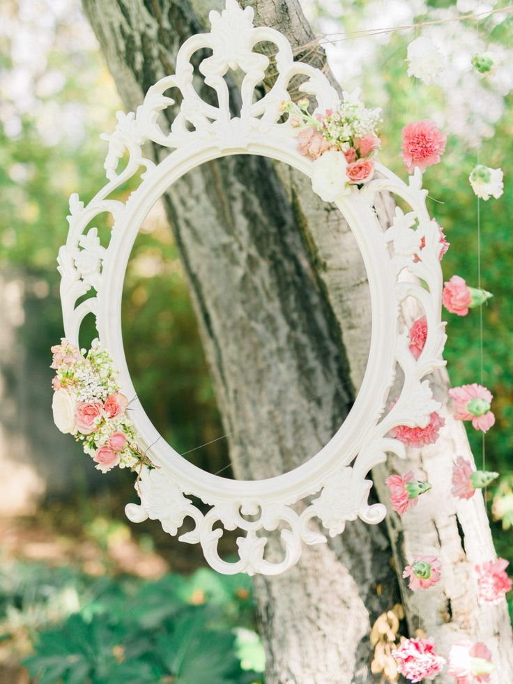 You might have a hard time believing me when I say this, but this stunning shower was set in the Bride's breathtaking backyard. I know, right? From the darling pink and white carnation backdrop to the floating frames to her sweet floral crown and white dress, smitten is my middle name when I'm flipping through the […]