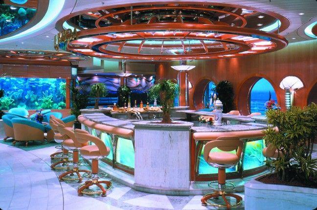 Royal caribbean voyager of the seas aquarium bar for Fish tank bar