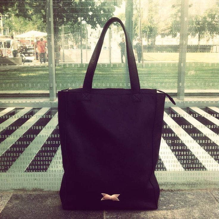 Black Leather Tote Bag by KlassDSign #leather #totebag http://klassdsign.com/shop/leather-goods/black-leather-tote-bag/