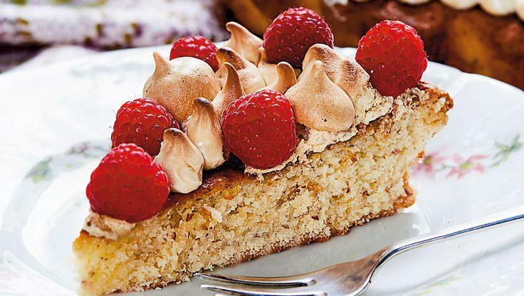 Hvid chokoladekage med lakridsmarengs