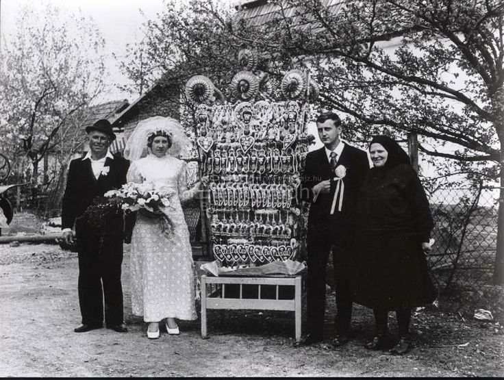 1973.-Boldogi menyasszonykalács . –  Boldog, Heves, Hungary