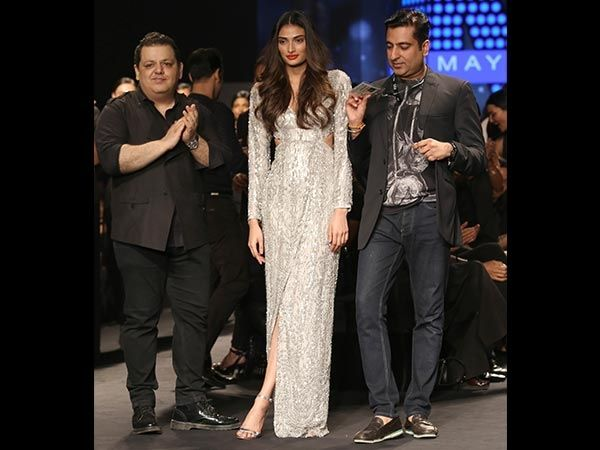 Gorgeous Athiya Shetty walked the ramp for Cue by Rohit Gandhi + Rahul Khanna at ‪#‎AIFWSS16‬!