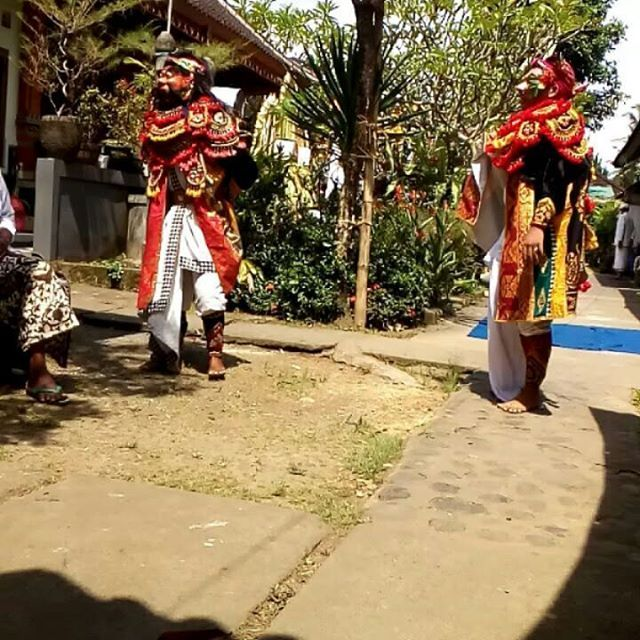 Lestarikan budaya Bali 💠💠📷🌺👍 #bali #balilife #culture #art #dance #topeng #topengsidakarya #ceremony #travel #balibible #artofvisuals #destination #like4like #instagood #instadance #instafamous #beautiful culture #instagood #travel #destination #balilife #instadance #bali #balibible #beautiful #topeng #like4like #ceremony #topengsidakarya #dance #instafamous #art #artofvisuals#eventprofs #meetingprofs #eventplanner #eventtech