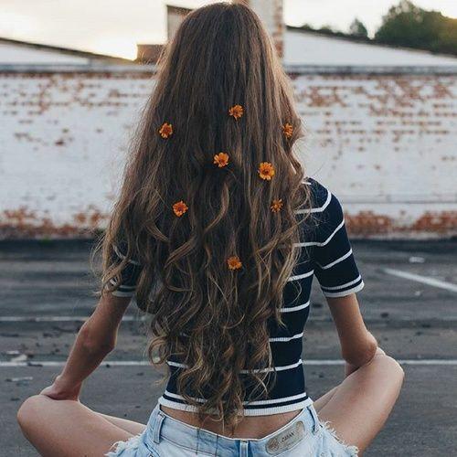 Tags mais populares para esta imagem incluem: hair, flowers, girl e tumblr