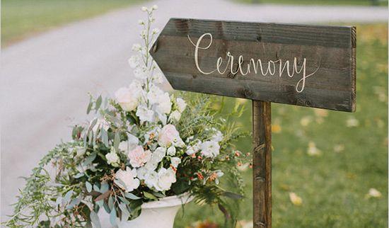 Im Spätsommer genießen wir nochmal die Natur in all ihrer Schönheit. Sie ist Inspiration für eine Hochzeit mit kräftigen Farben & zarten Akzenten von FÖHR. Photocredit: http://www.thomassteibl.com/