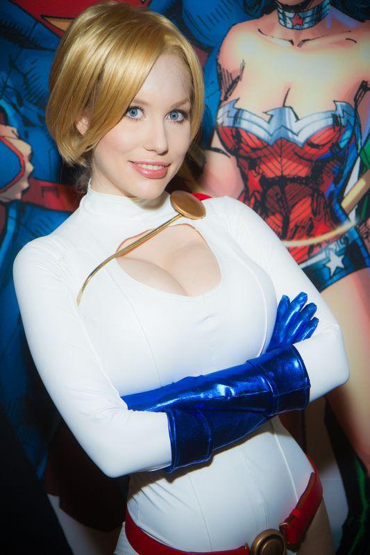 Power Girl Cosplay (93)