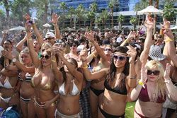 Las Vegas pool party- bachelorette planning ideas