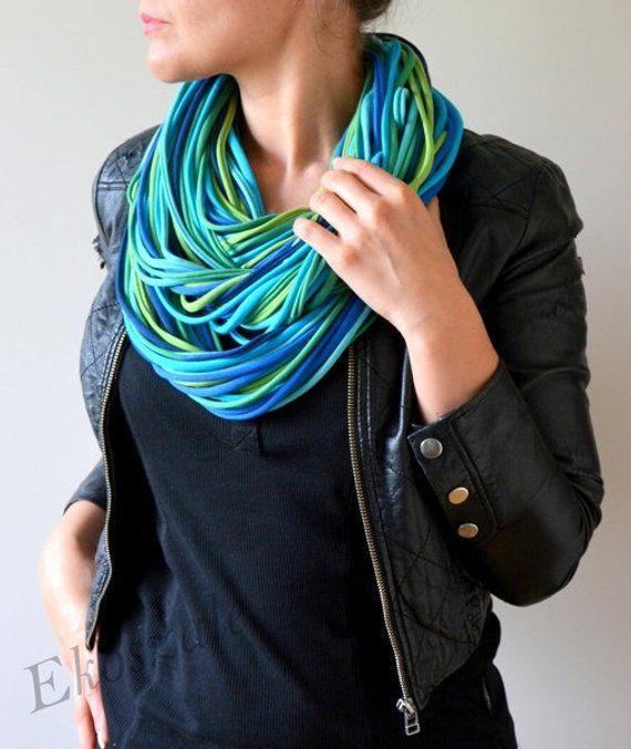 85a0cdc0639e05 Die Strickkette aus 100% Baumwolle blau gruen streifen