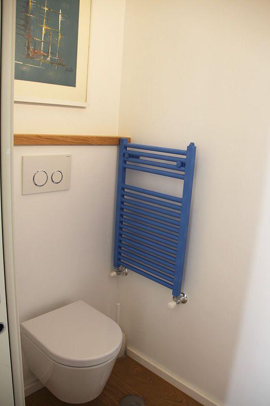 Oltre 25 fantastiche idee su arredamento bagno di servizio - Bagno in un metro quadro ...
