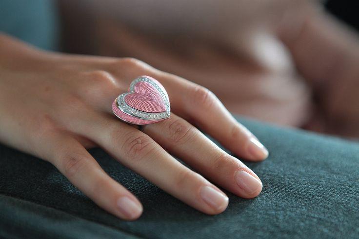 Anello Byblos cuore rosa