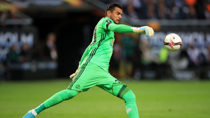 Sergio Romero signs new contract at Manchester United #News #composite #DaviddeGea #Football #ManUtd