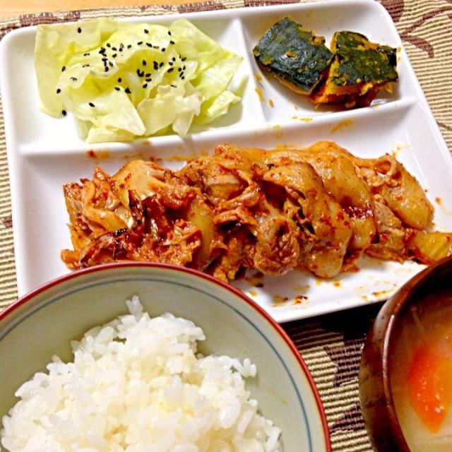 かぼちゃ煮、キャベツの塩だれサラダ、えのきの味噌汁 - 13件のもぐもぐ - 豚ロースキムチ by hamarika