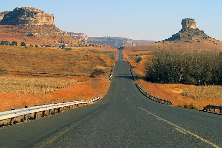 A road less travelled - Golden Gate - South Africa. info@discovermyafrica.com