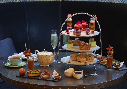 The delicate #Botanical #AfternoonTea at PontSt. is inspired by Chelsea Flower Show: http://afternoontea.co.uk/uk/london/knightsbridge/pont-st-at-the-hari-hotel/