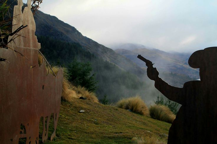 #western #silhouettes #gun #metal #fog #moutains #landscape #nature #beautiful #queenstown #nz #newzealand