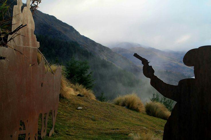 #western #silhouettes #gun #metal #fog #moutains #landscape #nature #beautiful #queenstown #nz #newzealand