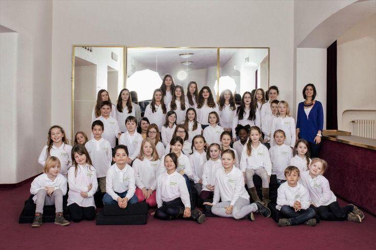 Theater Duisburg: Weltreise mit dem Kinderchor am Rhein