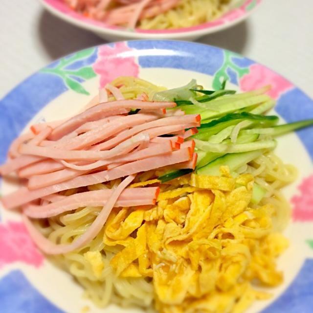 無性に冷やし中華食べたくなり、普通ですが冷やし中華はじめました〜(*ฅ́˘ฅ̀*) さっぱり美味しかったです! - 64件のもぐもぐ - 冷やし中華はじめました〜! by partytuneyouko
