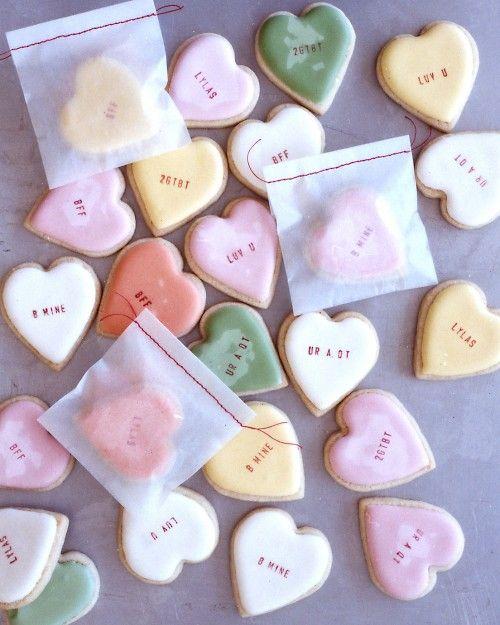 Conversation cookies: Valentines Ideas, Sugar Cookies, Food Colors, Valentines Cookies, Gifts Ideas, Heart Cookies, Valentines Day, Cookies Recipes, Martha Stewart