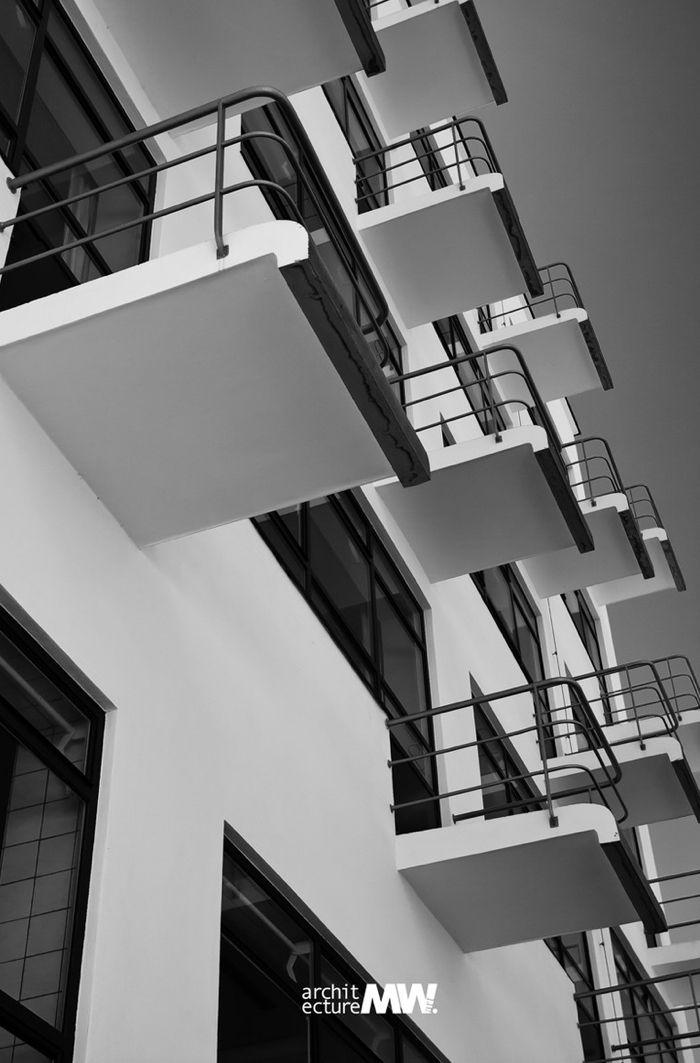 #ART #BAUHAUS #MOVEMENT #ARCHITECTURE #DESSAU #GERMANY © MWART