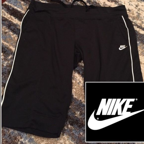 Nike Sweatpants Bermuda Length Black Nike sweatpants. Bermuda short length. Elastic waist with draw string. Front pockets. Inseam 14 inches. Only worn a couple of times. Feel free to make an offer or ask any questions. Nike Shorts