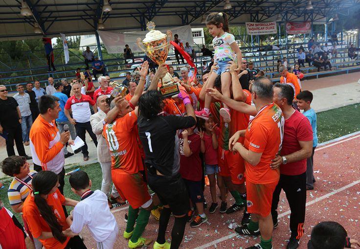 Adana'da futboldan motor sporlarına, çocuk oyunlarından atıcılığa kadar çok sayıda spor branşına destek veren Adana Büyükşehir Belediyesi, Adanalıların bu hafta sonunu da sporla dopdolu geçirmelerini sağladı.  Sporun ve sporcunun daima yanında yer alarak, Adana'da spor kültürünün gelişmesine önemli katkı sunan Adana Büyükşehir Belediyesi'nin ana sponsorluğunda yapılan Çocuk Oyunları 7. Türkiye Şampiyonsı, 1. Moto-Bike Fest, …